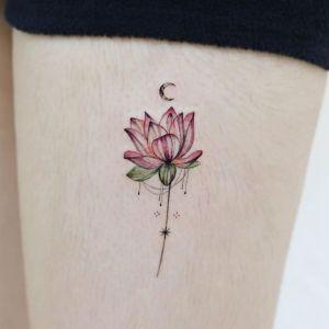 大腿小清新莲花纹身图案