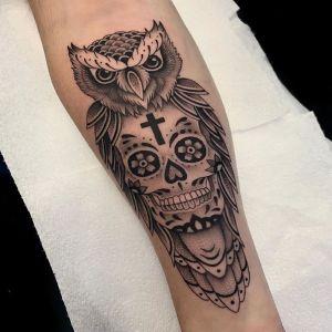 小臂点刺风黑灰风骷髅猫头鹰纹身图案