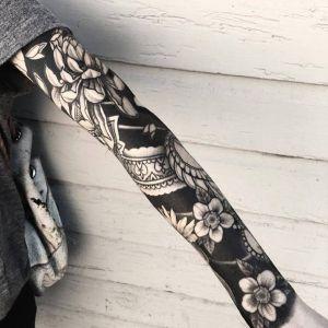 花臂点刺风黑灰风菊花樱花纹身图案