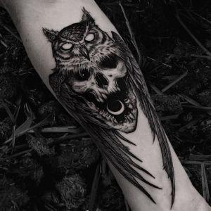小臂点刺风猫头鹰骷髅纹身图案