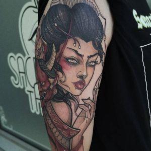 大臂传统艺伎人物纹身图案