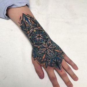 手背传统纹身图案