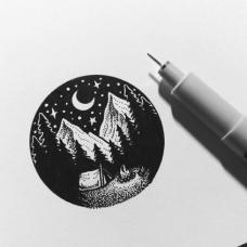 圆形山脉森林和月色纹身手稿