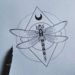 创意几何月亮蜻蜓纹身手稿图片