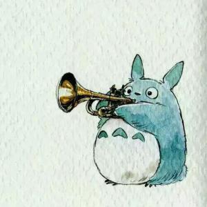 水彩吹喇叭的龙猫纹身手稿图片
