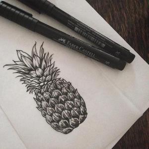 黑灰写实菠萝纹身手稿图片