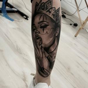 小腿女王纹身图片