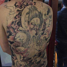 满背经典阿修罗纹身图案
