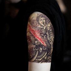 酷炫的杀神白起血刀大臂纹身