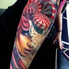 花臂女生棒棒糖纹身图案