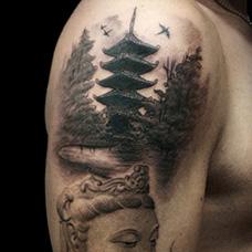 大臂山水画宝塔纹身图片