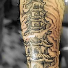 小臂宝塔纹身图案
