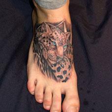 脚背豹子头纹身图案