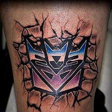 小腿石裂变形金刚纹身图案
