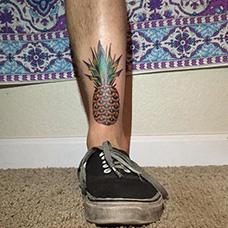 脚踝菠萝纹身图案