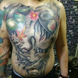 胸前般若纹身