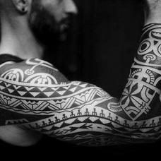 花臂帅气的部落纹身图片
