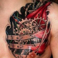 胸前帅气的齿轮纹身图片