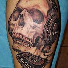 小腿骷髅和磁带纹身图片
