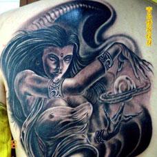 背部大地之母纹身图案
