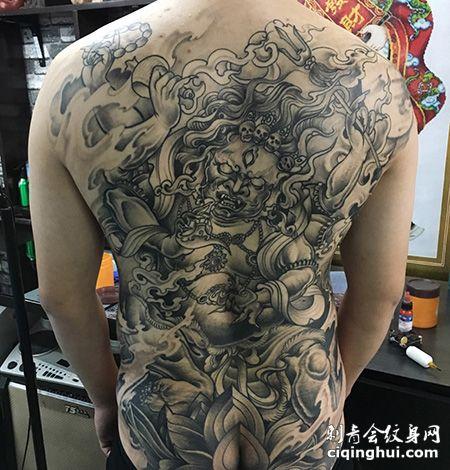 男士满背大黑天纹身图案