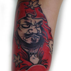 手臂达摩蛋纹身图案