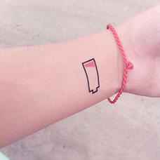 手腕电池纹身图案