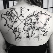 女生背部好看的地图纹身图案