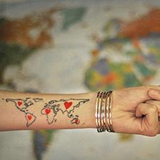 手腕世界地图纹身图案