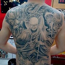 满背帅气的地藏王纹身图片
