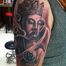 大臂地藏王纹身图片