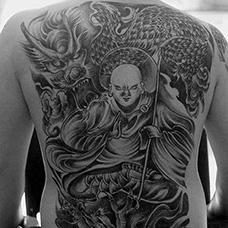 满背地藏王和龙纹身图案