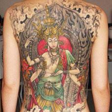 满背彩色度母纹身图片