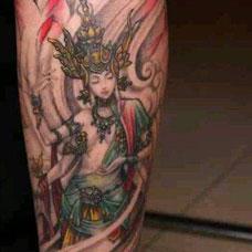 小腿彩色度母纹身图案