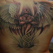背部堕落天使恶魔纹身图片
