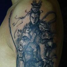 手臂帅气的二郎神纹身图案