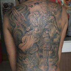 满背二郎神纹身图片