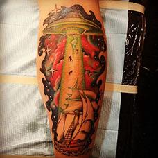 小腿飞碟纹身图案