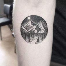 手臂风景纹身图案