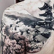 肩部日式风景纹身图案
