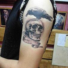 大臂个性的敢死队纹身图片