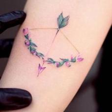 女生手臂小清新弓箭纹身图案