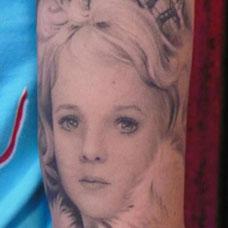 大臂美女公主肖像纹身图案