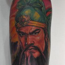 手臂帅气关公纹身图片