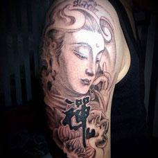 大臂简约的观音纹身图片