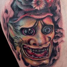 大腿恐怖鬼王纹身图片