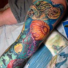 大腿海洋纹身图片
