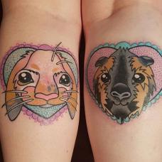 情侣手臂荷兰猪纹身图案