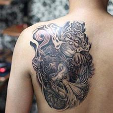 背部哼哈二将纹身图案
