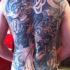 满背哼哈二将纹身图案